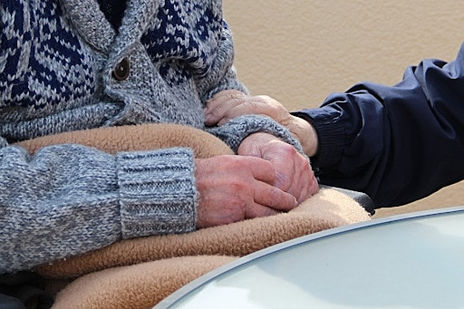 What does a physical therapist do for adults in a nursing home? How does physical therapy help the elderly?